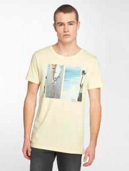 Stitch & Soul t-shirt Cali geel