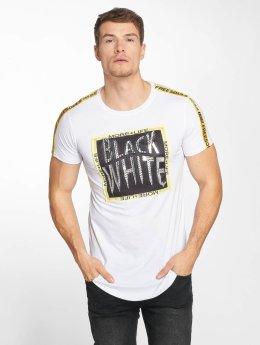 Terance Kole T-paidat Cathédrale Notre-Dame-et-Saint-Vaat valkoinen