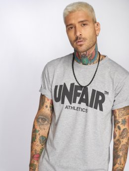 UNFAIR ATHLETICS T-shirts Classic Label grå