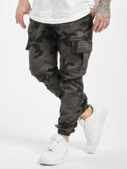 Urban Classics Cargo pants Camo šedá