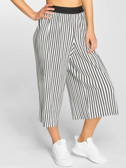 Urban Classics Chinot/Kangashousut Stripe Pleated Culotte valkoinen