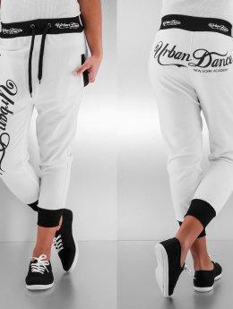 Urban Classics Dance Shorts Academy weiß