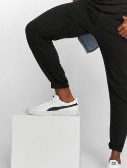 Urban Classics Dżinsy straight fit Basic Twill czarny