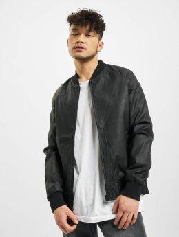 Urban Classics Kurtki skórzane Imitation Leather Raglan czarny