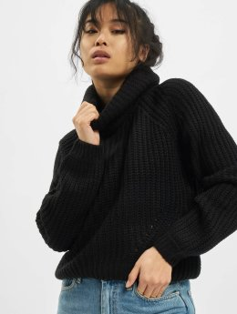 Short Turtleneck Sweater Black