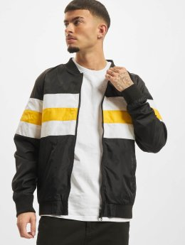 Urban Classics Männer Übergangsjacke Striped Nylon in schwarz