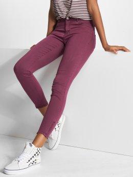 Vero Moda Slim Fit -farkut vmSeven Shape purpuranpunainen