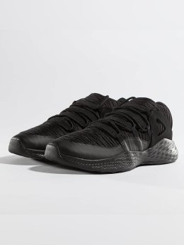Jordan Baskets Formula 23 Low noir
