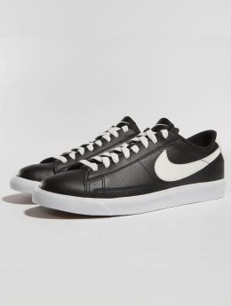 sports shoes 5a9d6 7a1da Nike Baskets Blazer Low Leather noir