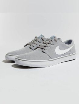 Nike SB Baskets SB  Solarsoft Portmore II Canvas Skateboarding gris