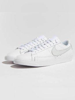 Nike Sneaker Blazer Low Le Basketball weiß