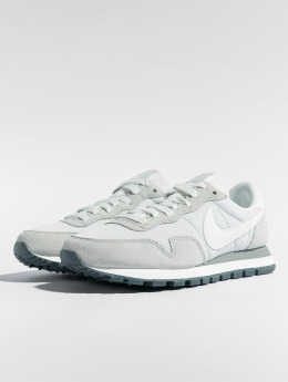 Nike Baskets Air Pegasus 83 gris