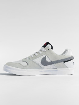 Nike SB Baskets Delta Force Vulc gris