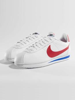 Jack   Jones Vapaa-ajan kengät. jfwOrca Leather musta. Nike Tennarit  Classic Cortez Leather valkoinen 2c6bde1855