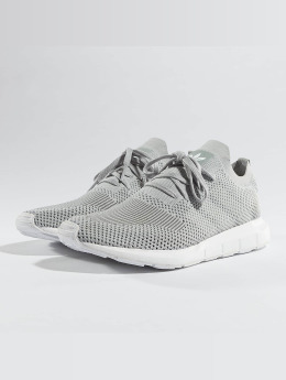 adidas originals Baskets Swift Run Pk gris