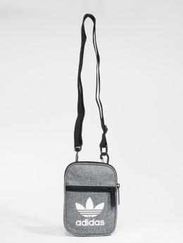 adidas originals Laukut ja treenikassit Fest Bag Casual harmaa