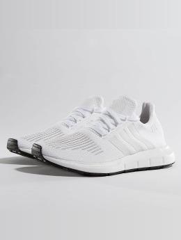 new product 47be1 3b970 adidas originals Sneakers Swift Run vit