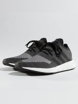 adidas originals Tennarit Swift Run Pk musta