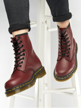Dr. Martens Kozaki 1460 DMC 8-Eye Smooth Leather czerwony