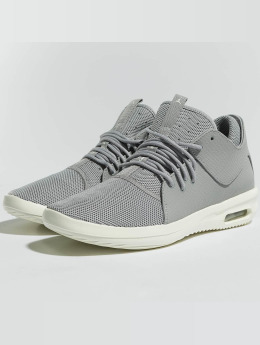 Jordan Baskets First Class gris