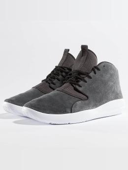 Jordan Sneaker Eclipse Chukka grau
