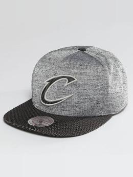Mitchell & Ness NBA Space Knit Crown PU Visor Cleveland Cavaliers Snapback Cap Black