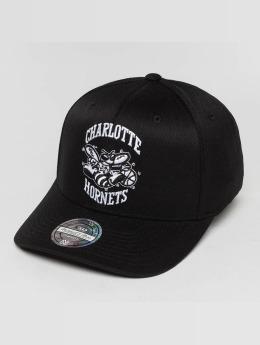 Mitchell & Ness Casquette Snapback & Strapback Black And White Charlotte Hornets 110 Flexfit noir