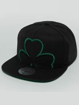Mitchell & Ness Casquette Snapback & Strapback Raised Perimeter Boston Celtics vert