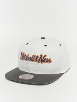 Mitchell & Ness Weekend 1 Flat Visor Snapback Cap White/Charcoal