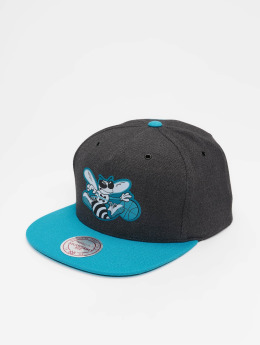 Mitchell & Ness Gorra Snapback HWC Charlotte Hornets Woven Reflective gris