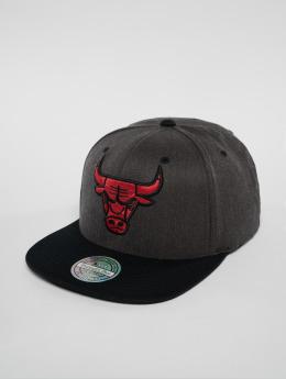 Mitchell & Ness Gorra Snapback NBA Chicago Bulls gris
