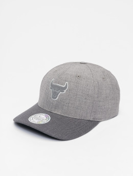 Mitchell & Ness Snapback Cap HWC Beam Chicago Bulls 110 Curved grey