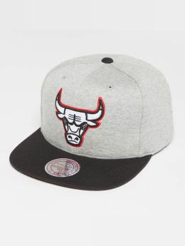 Mitchell & Ness The 3-Tone NBA Chicago Bulls Snapback Cap Grey Heather/Black/Red