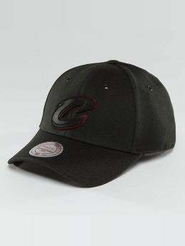 Mitchell & Ness Snapback Cap NBA Hot Stamp Contrast Cleveland Cavaliers schwarz