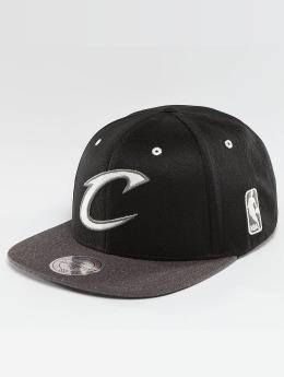 Mitchell & Ness Snapback Cap NBA 2-Tone Logo Cleveland Cavaliers schwarz
