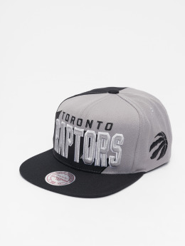 Mitchell & Ness NBA Sharktooth Toronto Raptors Snapback Cap Black