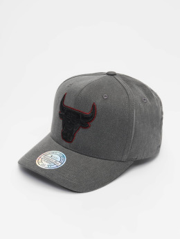 Mitchell & Ness Snapback Cap NBA Chicago Bulls Washed Denim 110 Curved schwarz