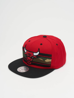 Mitchell & Ness Snapback Caps Woodland Chicago Bulls Covert czerwony
