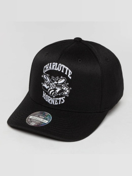Mitchell & Ness Snapback Caps Black And White Charlotte Hornets 110 Flexfit musta