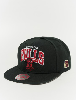 Mitchell & Ness Snapback Caps Black Team Arch Chicago Bulls svart