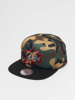 Mitchell & Ness Snapbackkeps Woodland Philadelphia 76ers Cover kamouflage