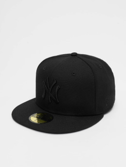 New Era Fitted Cap Black On Black NY Yankees čern