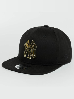 New Era Snapback Cap Metal Badge NY Yankees schwarz