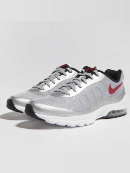 Nike Baskets Air Max Invigor gris