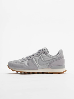 Nike Sneaker WMNS Internationalist grau