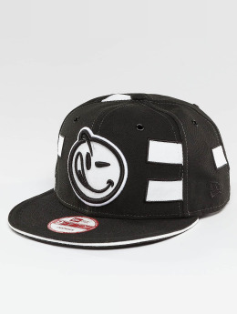 Yums Casquette Snapback & Strapback Black Tag4 Couture noir