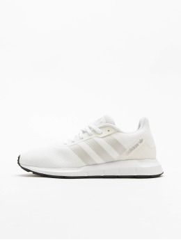 adidas Originals Сникеры Swift Run RF белый