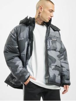 adidas Originals Стеганая куртка R.Y.V. Camo камуфляж