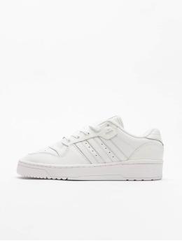 adidas Originals Baskets Rivalry Low blanc