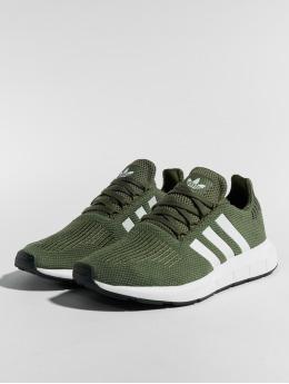 adidas originals Baskets Swift Run W vert
